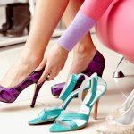 靴のかかとがパカパカ脱げてしまう原因は?