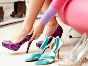 photodune-367820-trying-on-shoes-s3