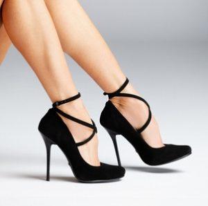 photodune-8229068-woman-legs-s-2